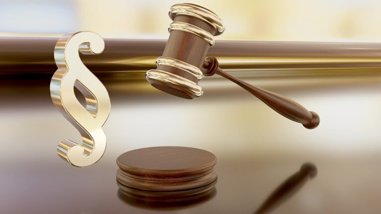 Помощь адвоката в признании прав на земельный участок